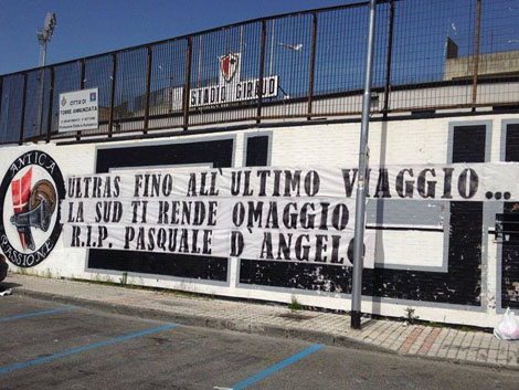 striscione_dangelo
